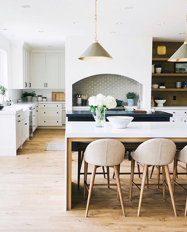 "Love everything about this kitchen. And oh how I wish you could see this @arteriorshome pendant in person 😍 SO GOOD. @saltboxcollective @celerie  #repost @arteriorshome ・・・ Design accents that make all the difference. ✨ Completely obsessed with our ""Scarlet Pendants"" by @celerie Kemble in this stunning  kitchen #designinspiration by @saltboxcollective 📸 @travisj_photo"