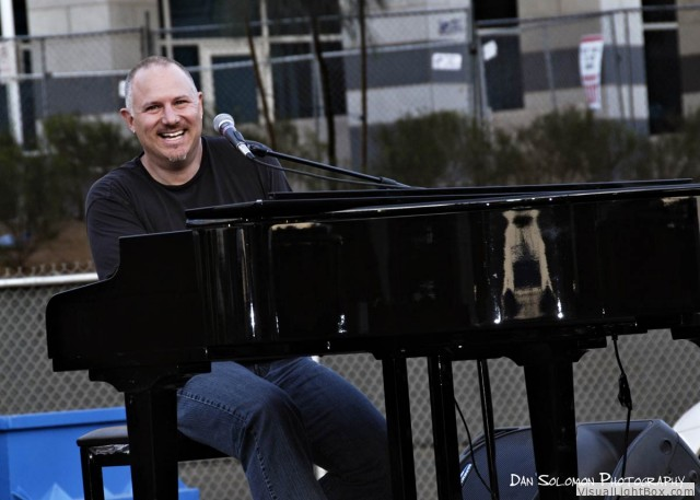 billy-piano-tempe-music-fest-2009.jpg
