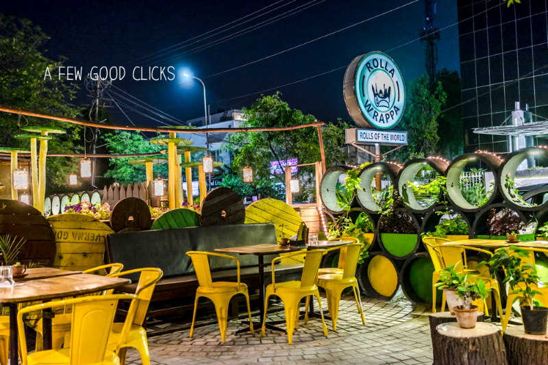 Rolla Wrappa Restaurant Outdoor Dining Photo by  Bay Area based restaurant photographer  at   A Few Good Clicks