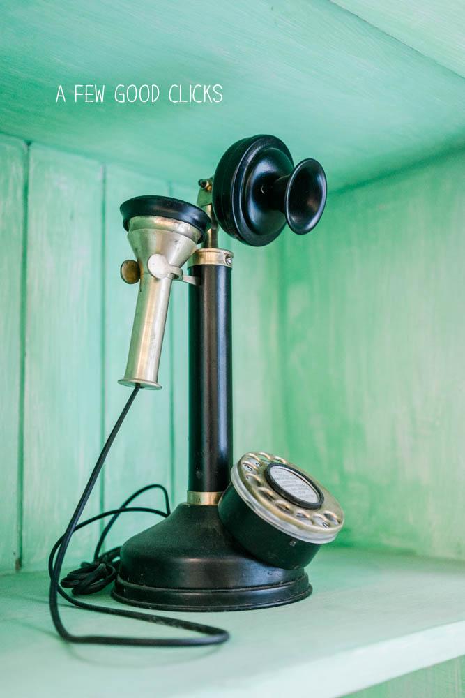 The-vintage-phone-nibs-cafe-jaipur-a-few-good-clicks