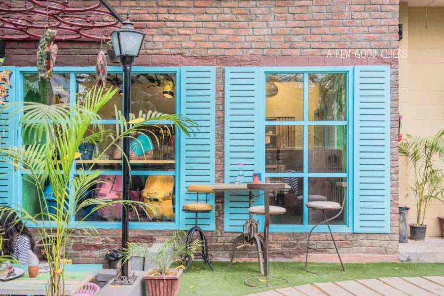french-terrace-windows-photos-by-restaurant-photographer-a-few-good-clicks-net-jaipur-nibs