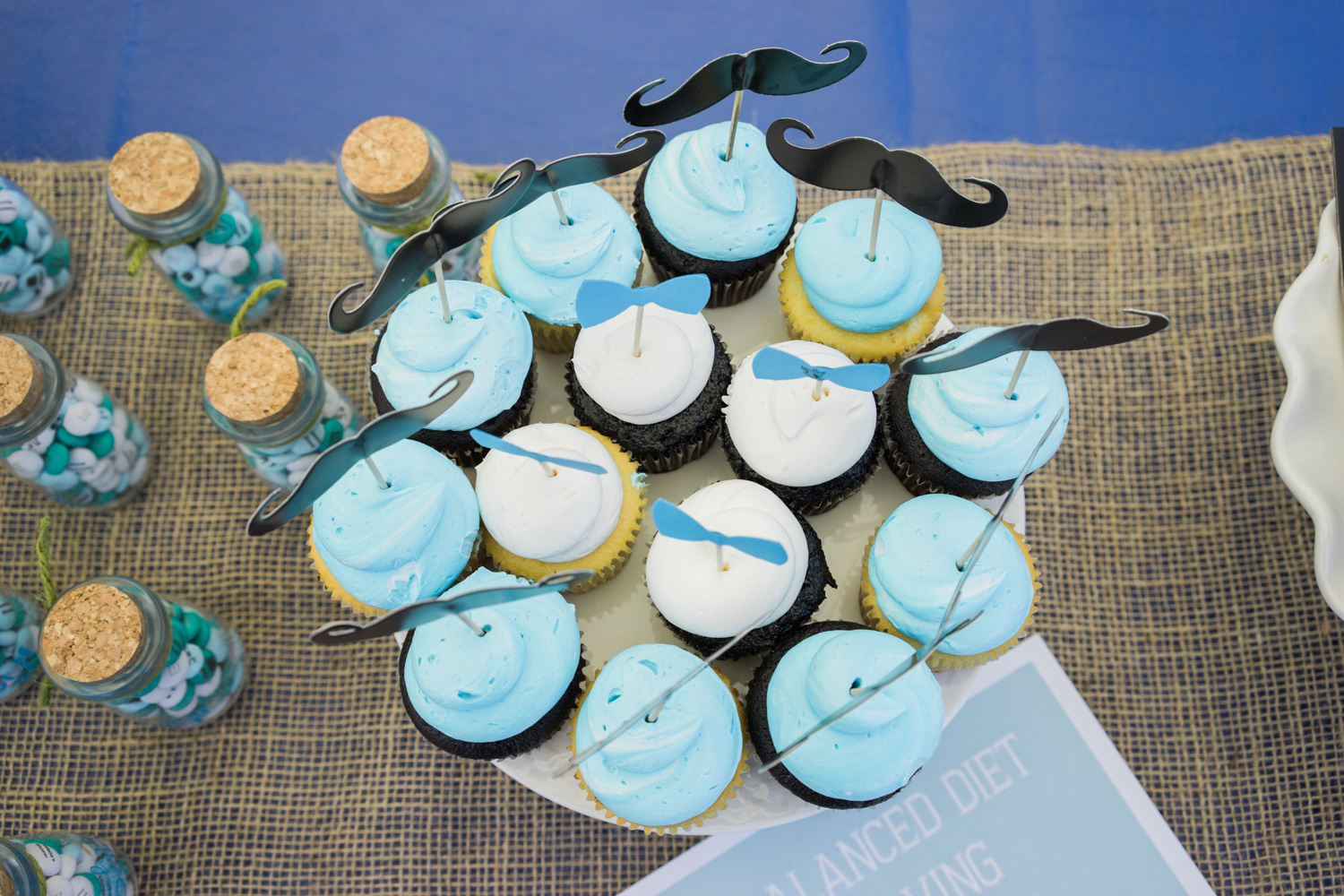 cupcakes-baby-shower-photography-shoreline-lake-boathouse-mountain-view