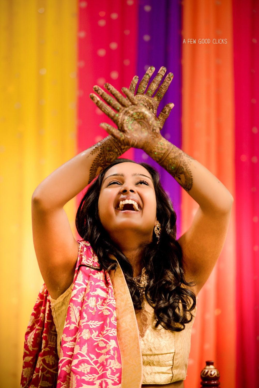 Bride Swathi truly enjoying her mehndi ceremony