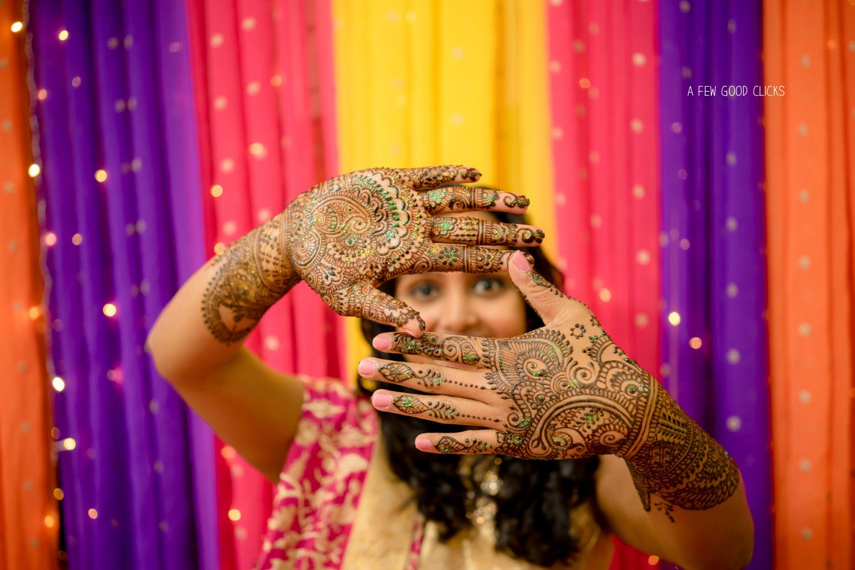 Shot through the hands - Mehndi Event photography