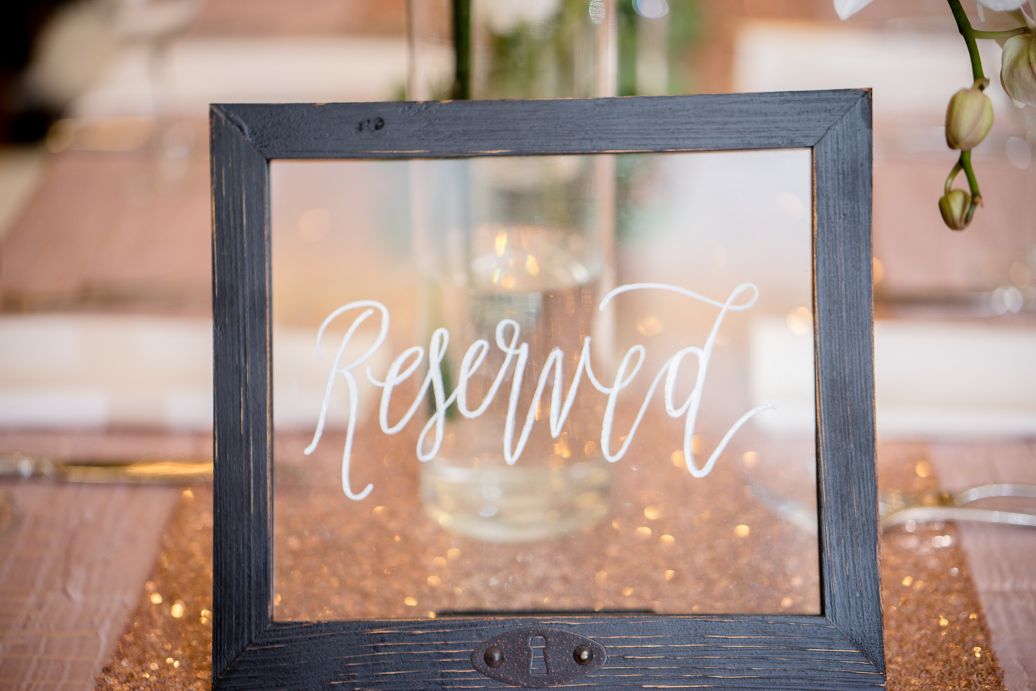 Interesting use of vintage photo frames as reserved tags during Muslim Wedding Reception.