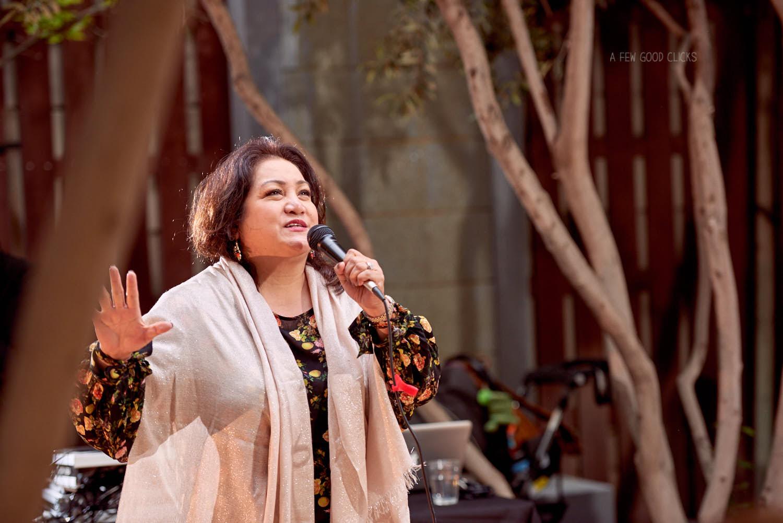 guests-singing-at-60th-birthday-party-at-mosaic-restaurant-san-jose