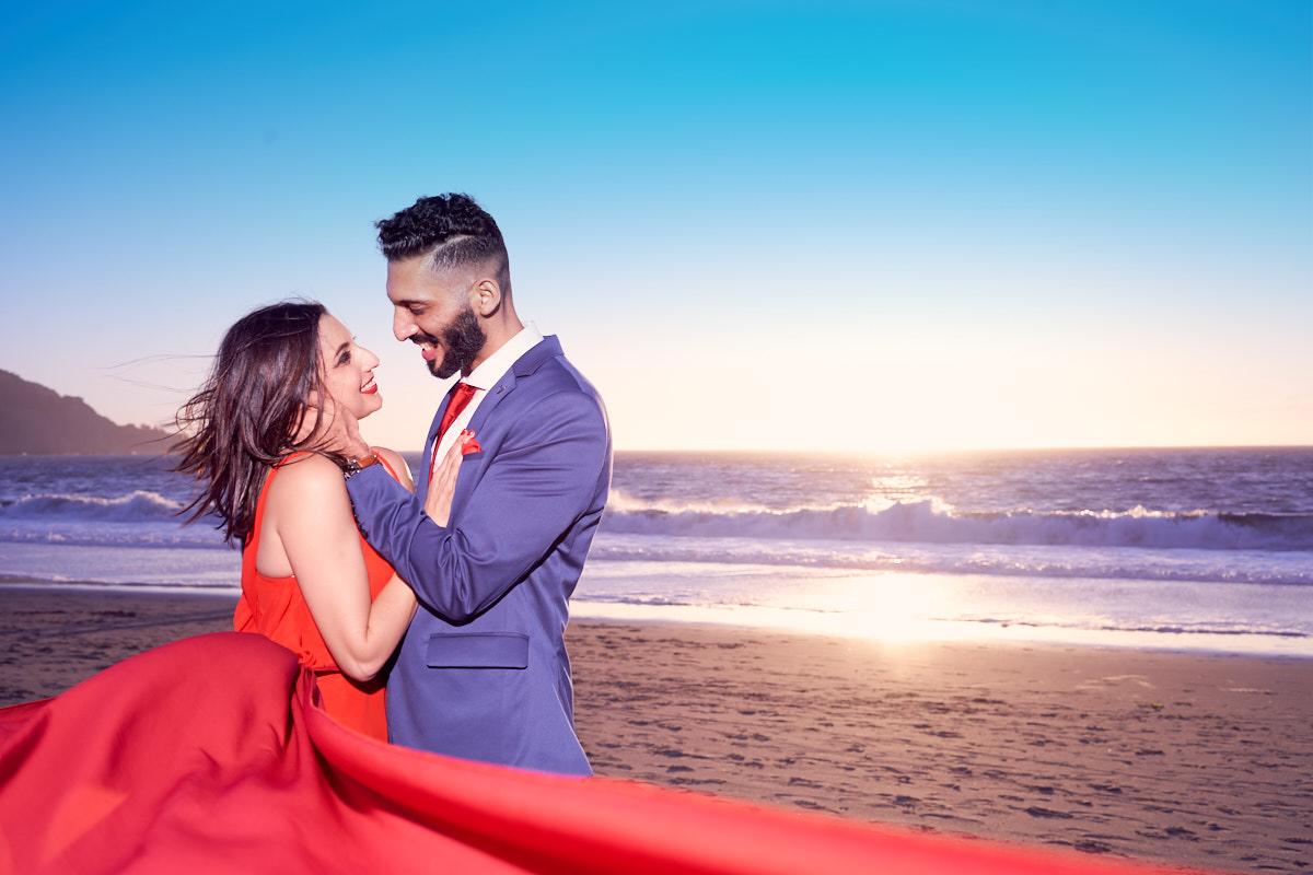 local-photographer-for-engagement-shoot-at-baker-beach-sfo