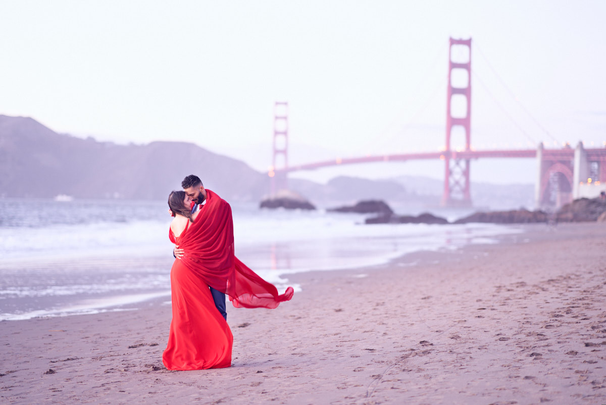 cute-couple-lifestyle-engagement-photography-at-baker-beach-sfo