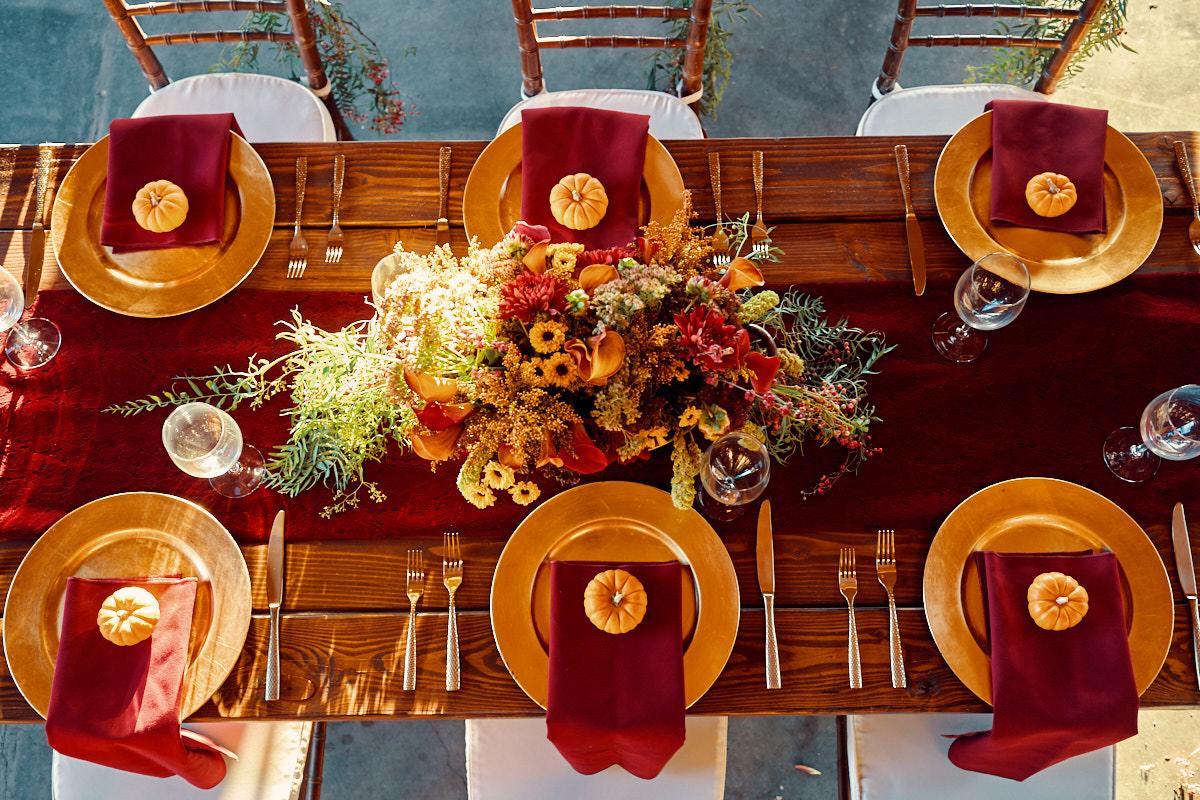 redwood-ridge-estate-fall-themed-decor-wedding-photography