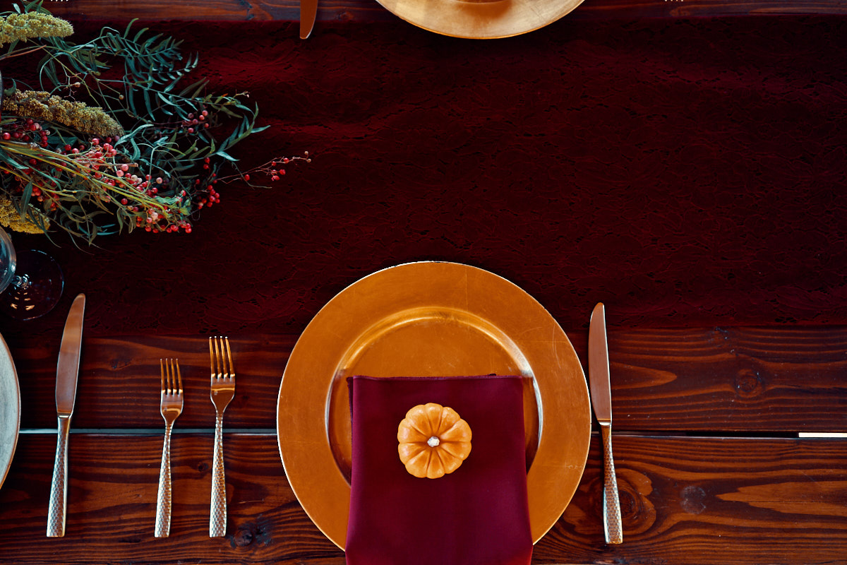 fall-table-decor-for rustic-themed-wedding-photo-california-photographer