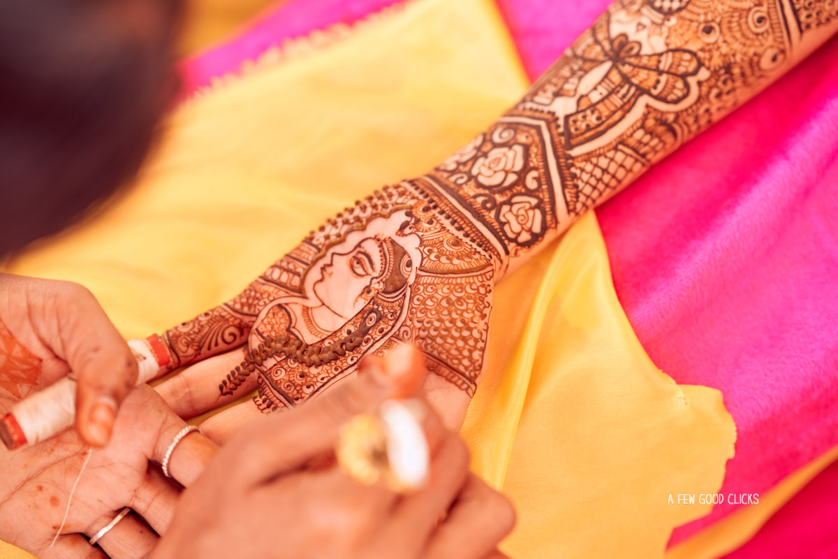 Bridal mehndi design picture.
