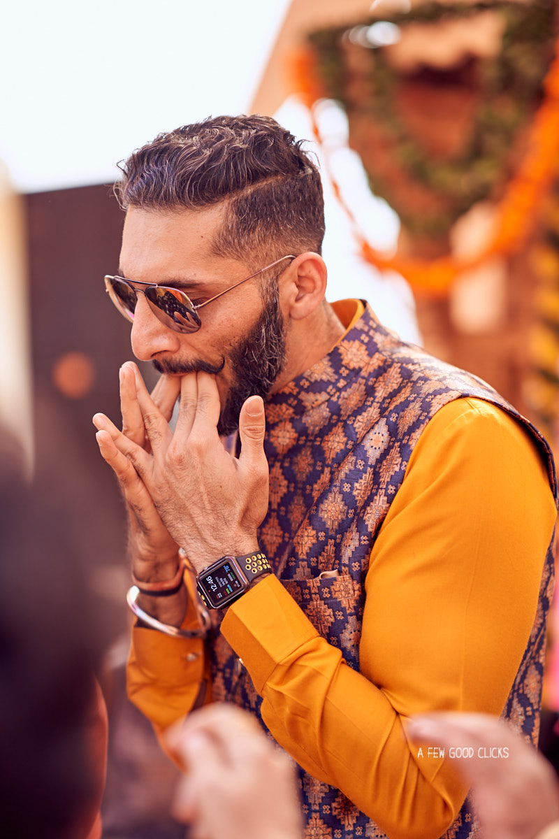 groom-whistling-at-indian-wedding-photo-by-afewgoodclicks