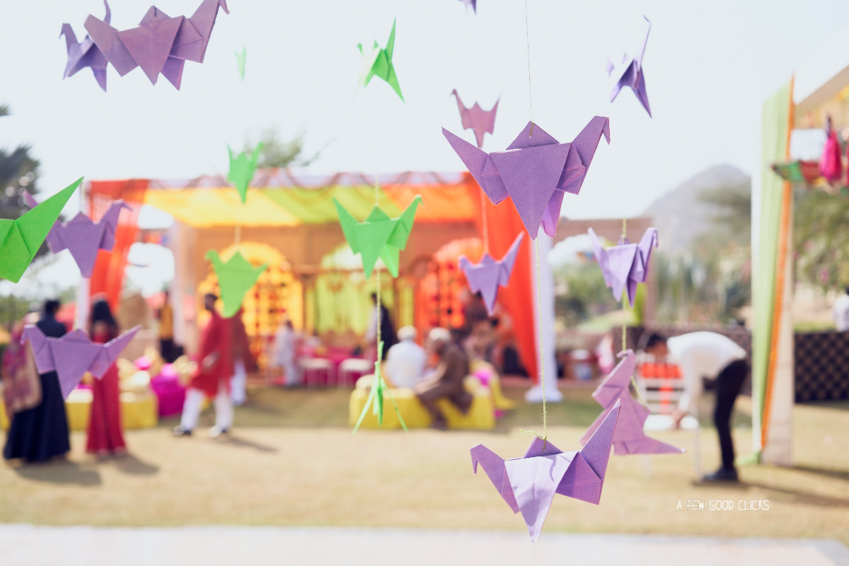 origami-decor-in-indian-wedding-in-jaipur-by-afewgoodclicks