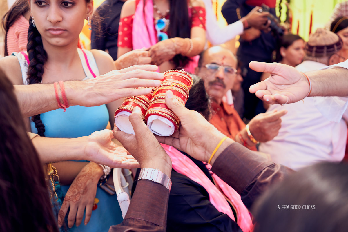 details-shots-during-chuda-indian-wedding-ceremony-photographer-bay-area