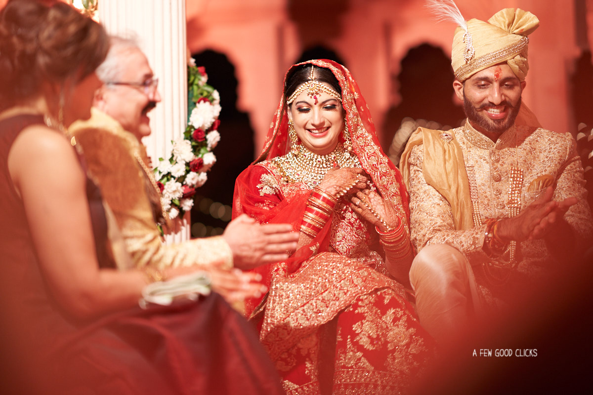 indian-bride-groom-fun-picture-during-fera-ceremony-rajasthali-resort