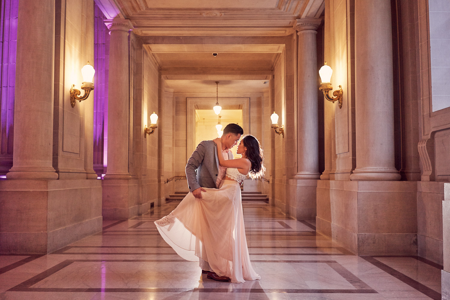couples-dancing-photos-2-floor-sf-city-hall-by-afewgoodclicks