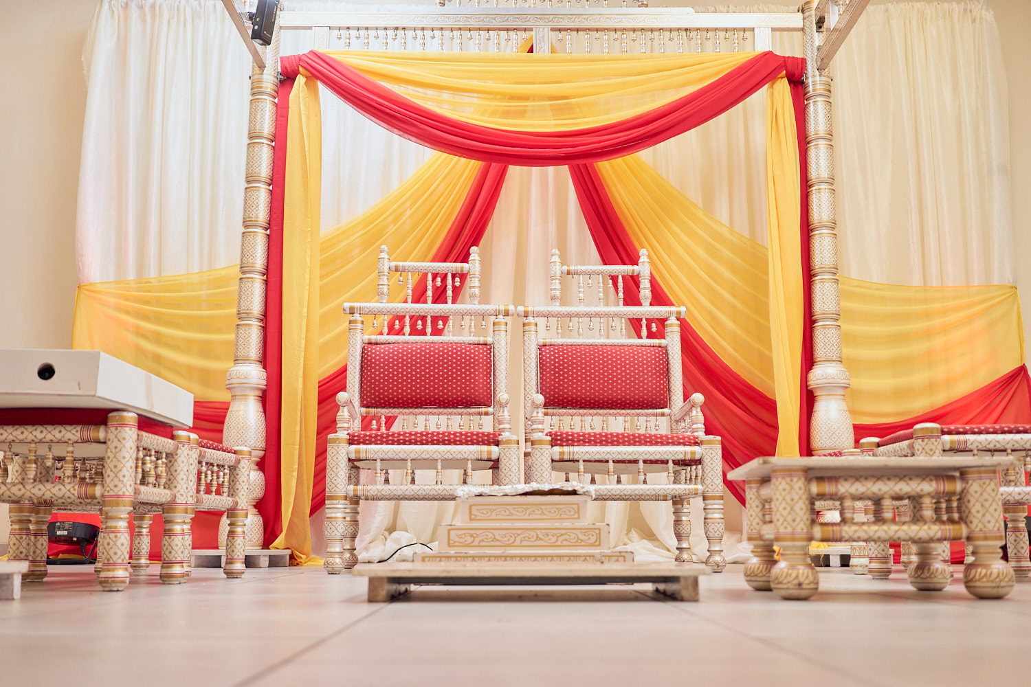 Mandap set up at Sunnyvale Hindu temple | Photography by A Few Good Clicks