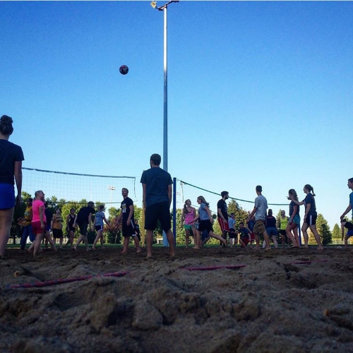 Our CDA's (Community Development Assistants - basically the RA's of the apartments) are absolutely amazing and hosted an evening of sand volleyball, spikeball, and free food for the upperclassmen! It was SO MUCH fun.