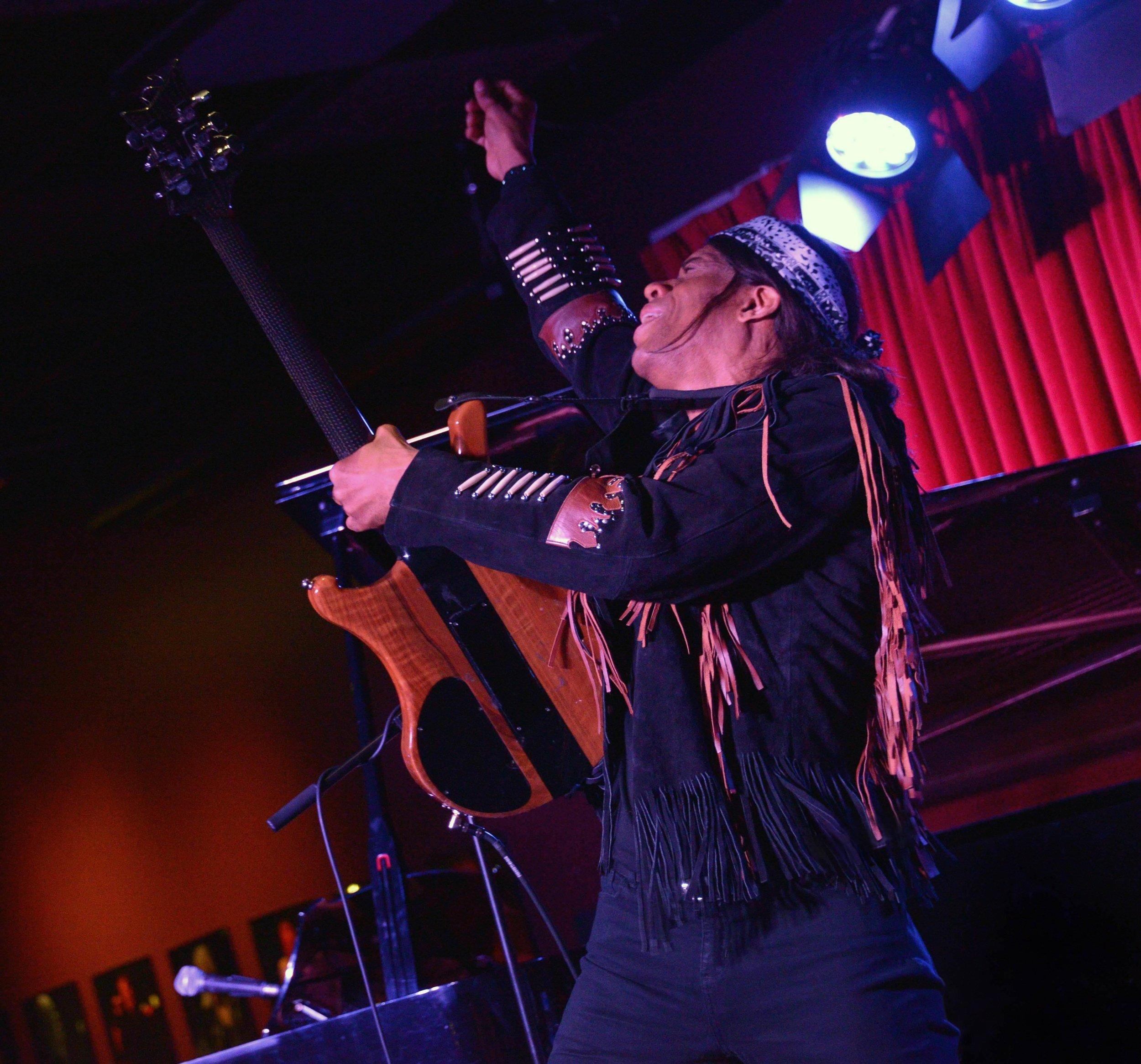 Stanley Jordan Plays Jimi Music Without Borders