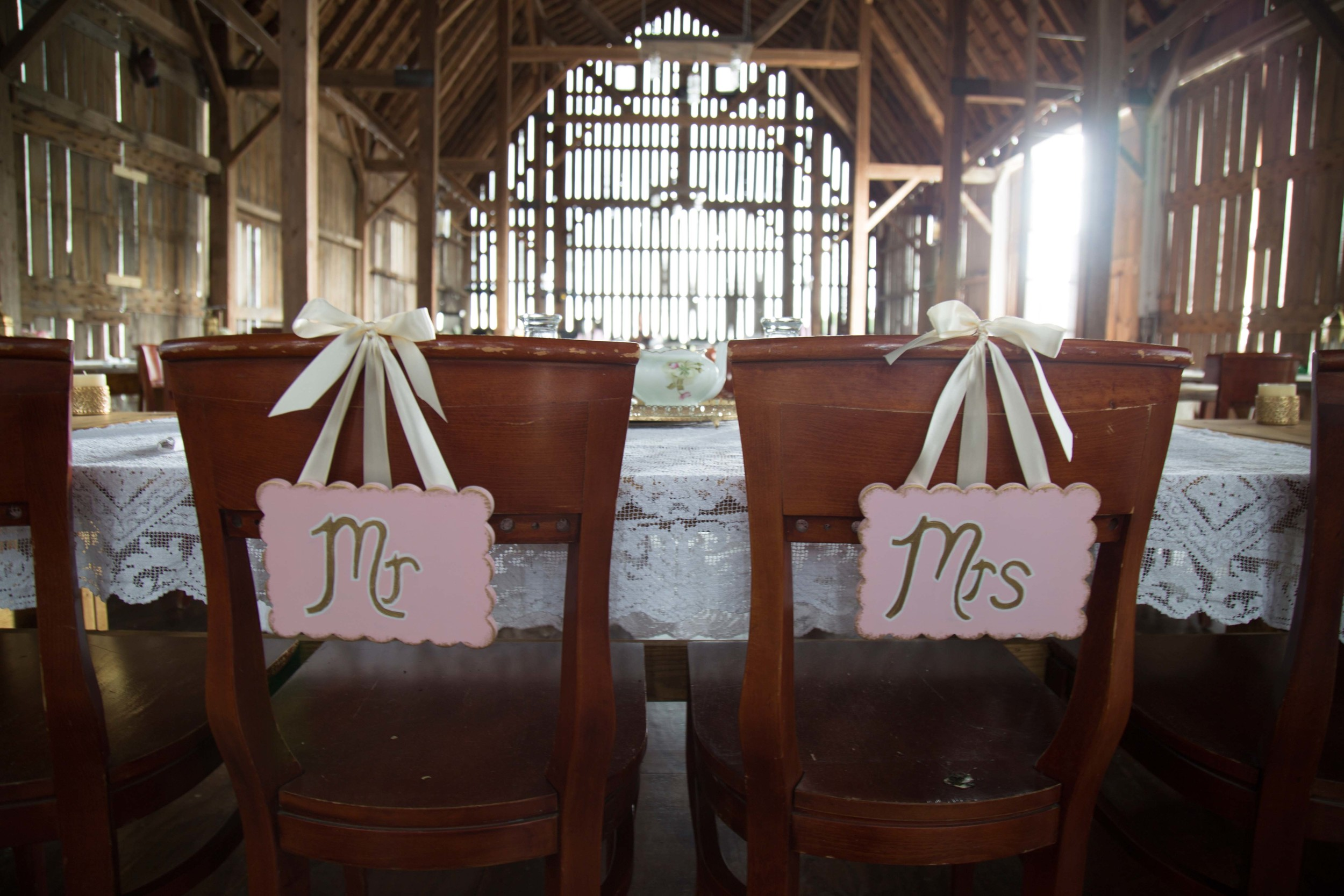 5_29-Barn_Head_Table_5422 2.jpg