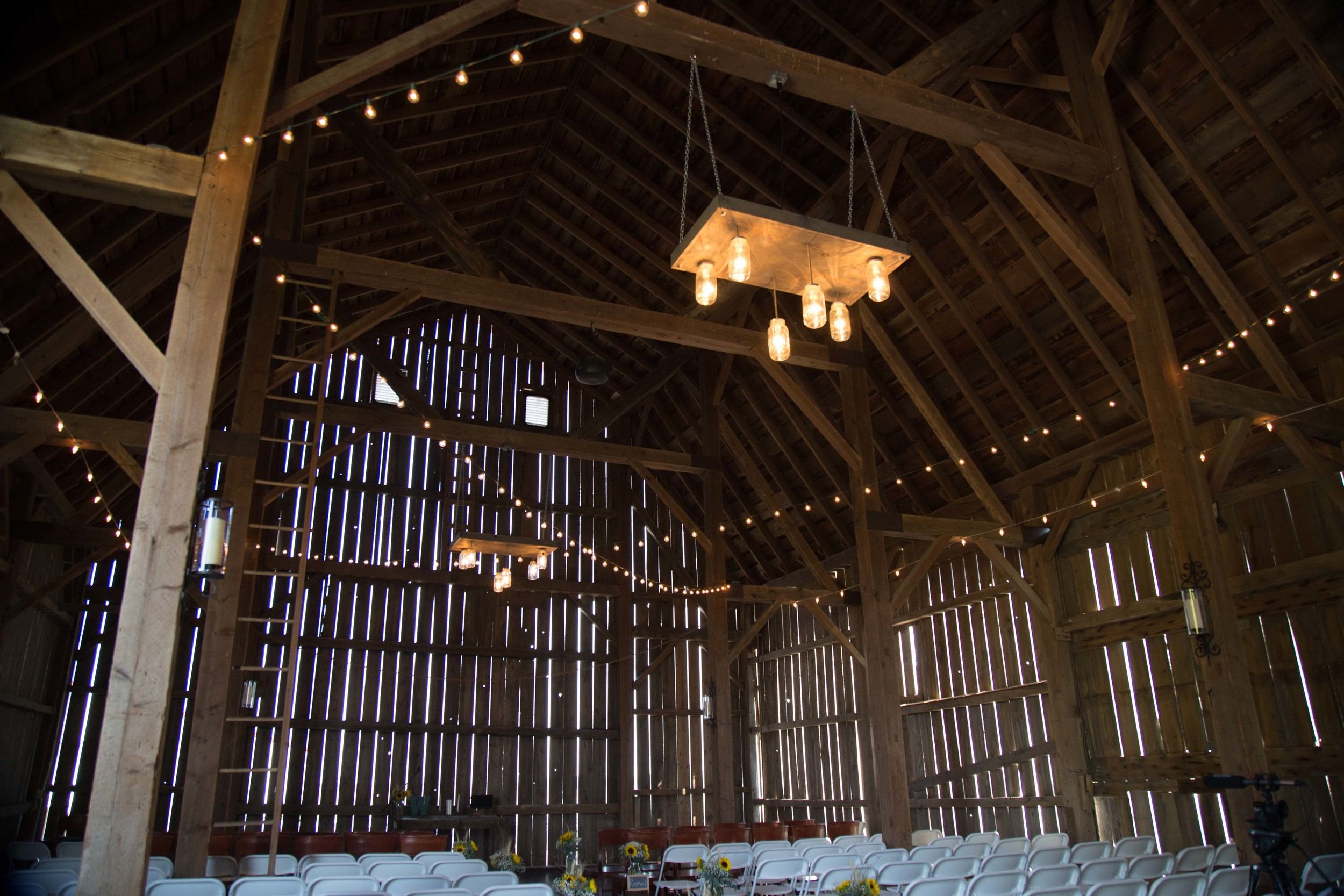 9_26-barn_Indoor_Lights_8504.jpg