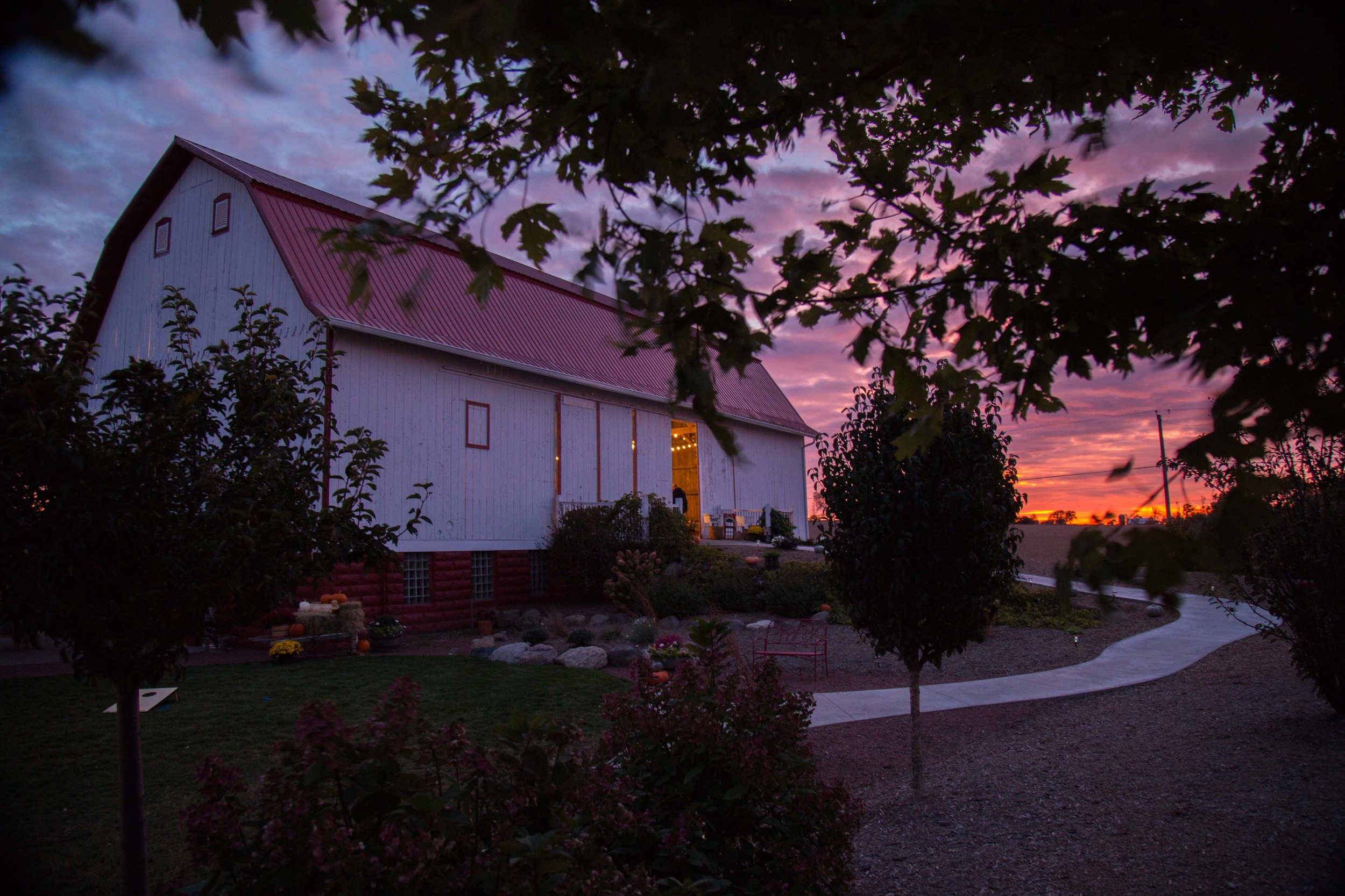 10_10-Barn_Berm_sunset_9742.jpg