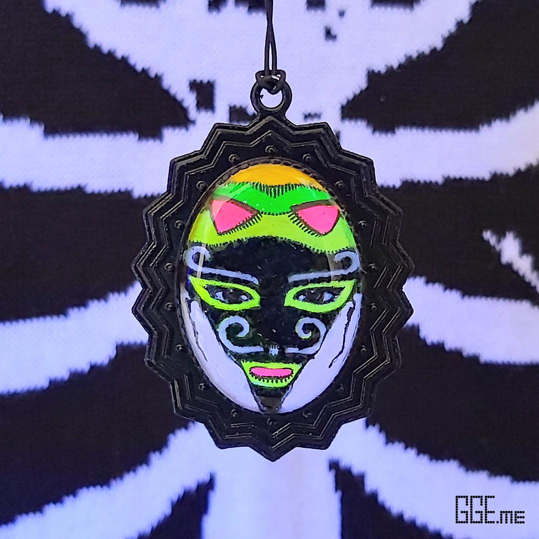 GGE.me - PINHO BLACKLIGHT.jpg