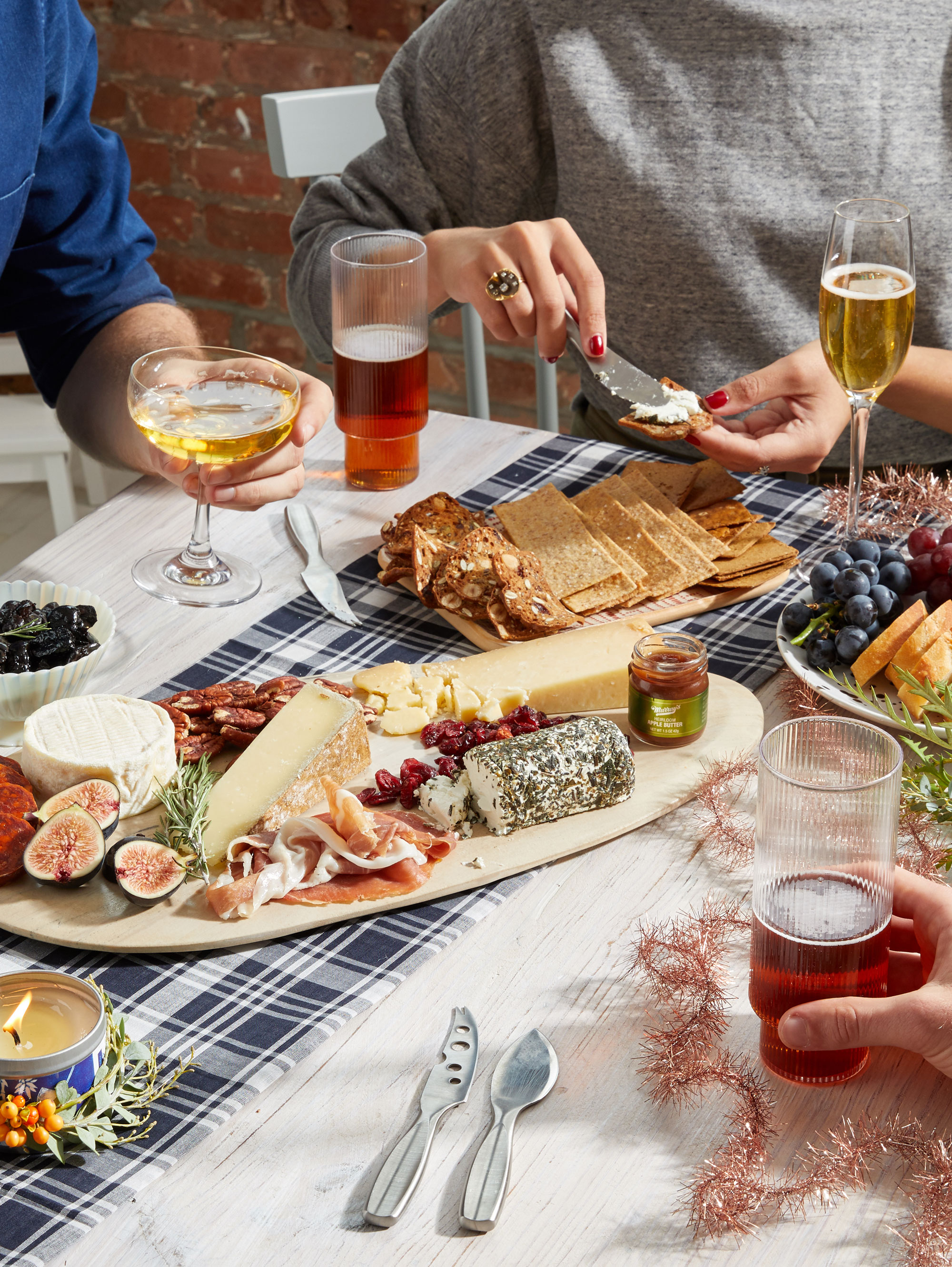 Cheese-Boards_Holiday-Gift-Guide_10218_512.jpg