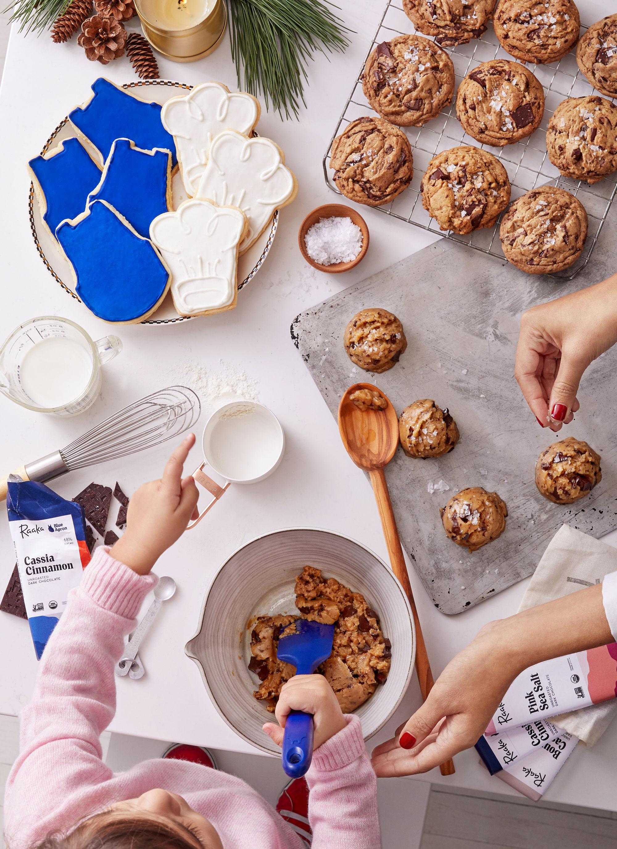 Baking-Cookies_Holiday-Gift-Guide_10218_976_RGB_crop.jpg
