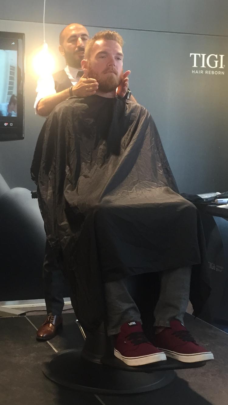 Med forming av skjegg,handler det mye om benstruktur. Vi har ofte et ønske om åforminske eller fremheve.