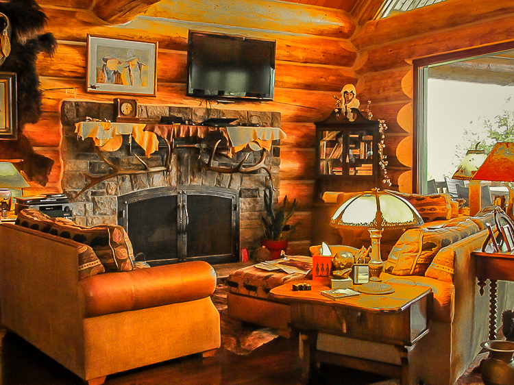 Log home living atit's finest