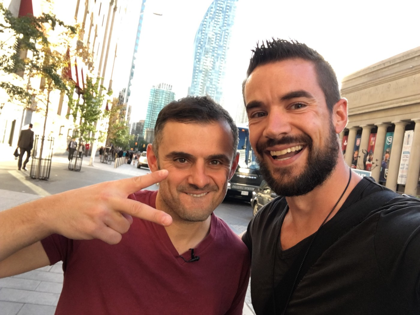 Meeting Gary Vee in front of the Fairmont Hotel in 2017.