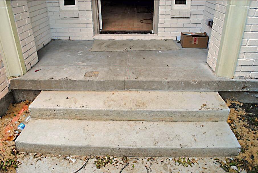 1a. Porch Before.JPG