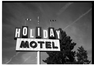HolidayMotel006.jpg