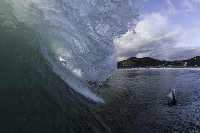 Periscope down! Heavy wave to get under