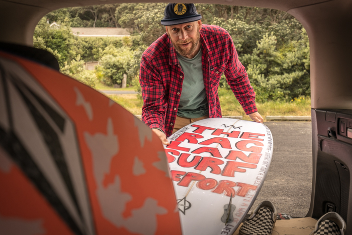 So, do you know the guy that does  The Raglan Surf Report ... Luke making ready