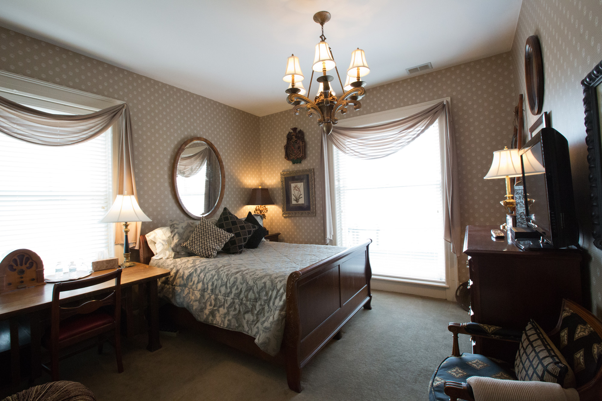 Room 4 - Single Queen Bedroom - $140 per night