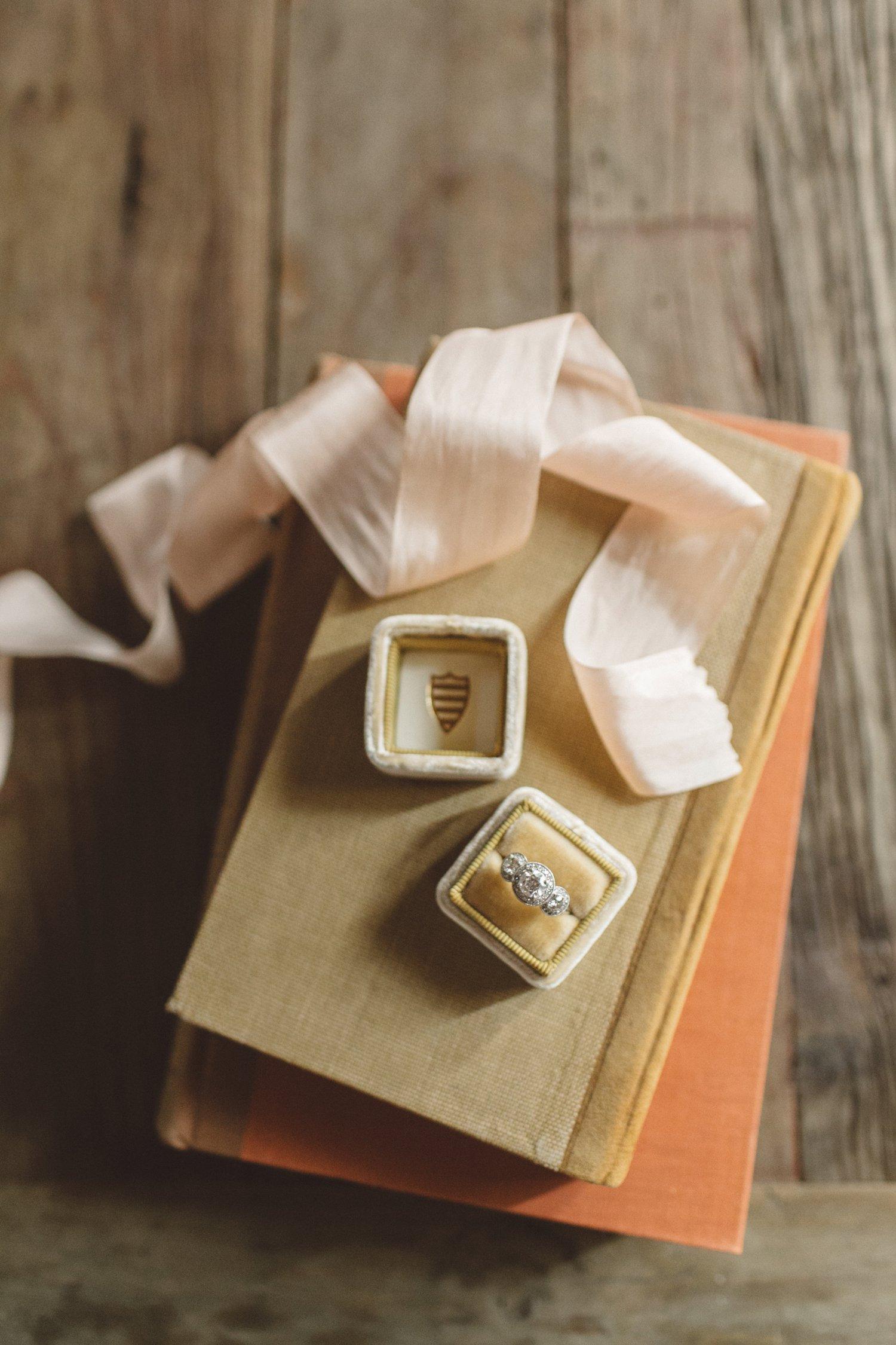 Hello Gem | Romantic Carondelet House Wedding | Anna Delores Photography