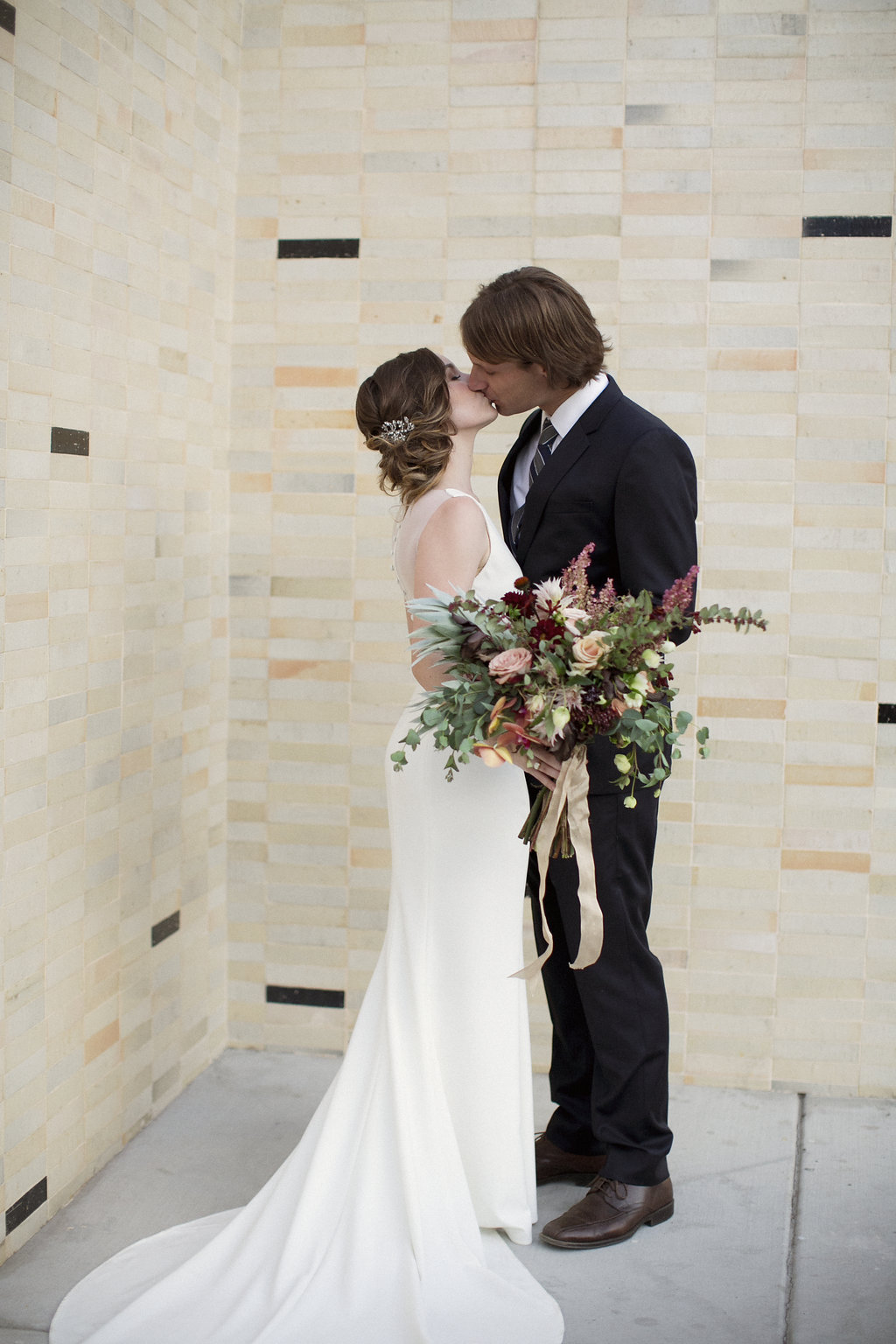 Hello Gem Events | Moody Palm Springs Wedding | This Modern Romance Photography