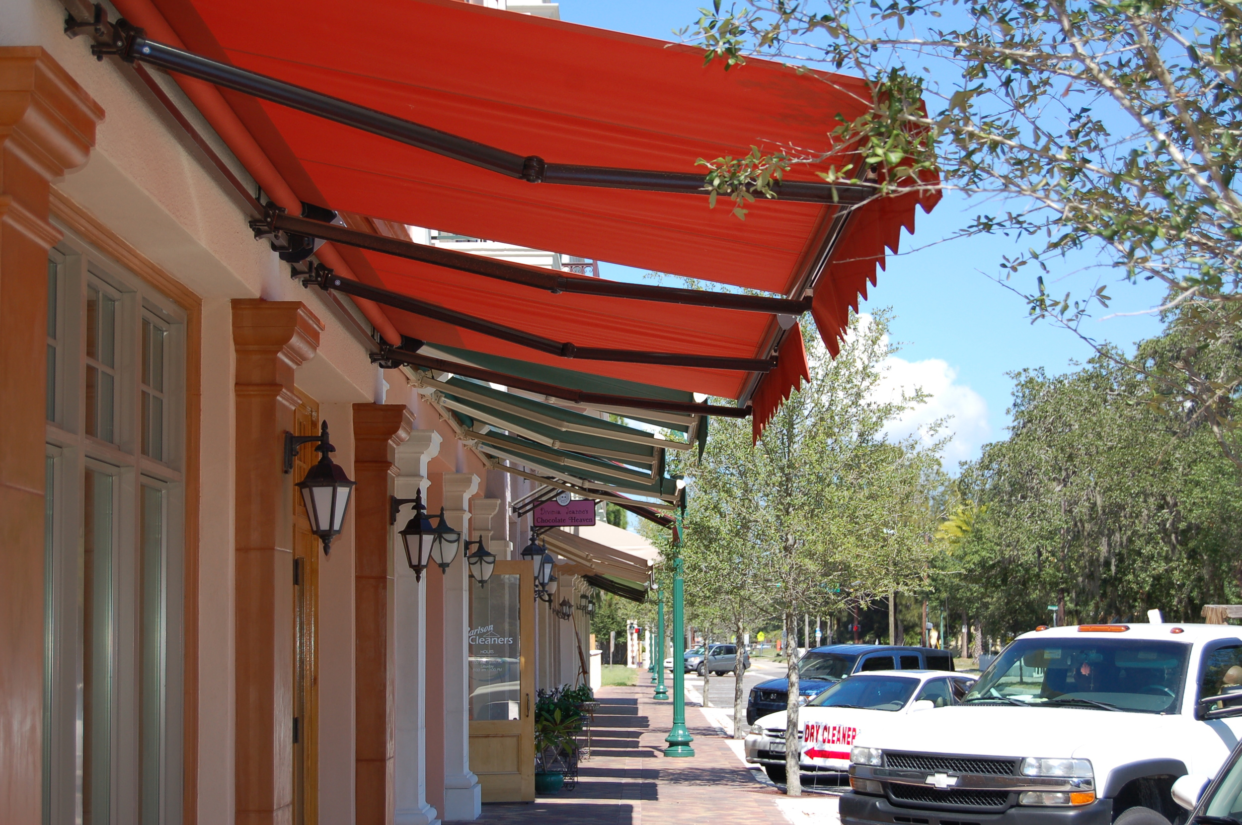 313 Store Front Retractable Awnings