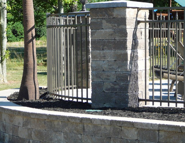 932 Curved or Round Fencing