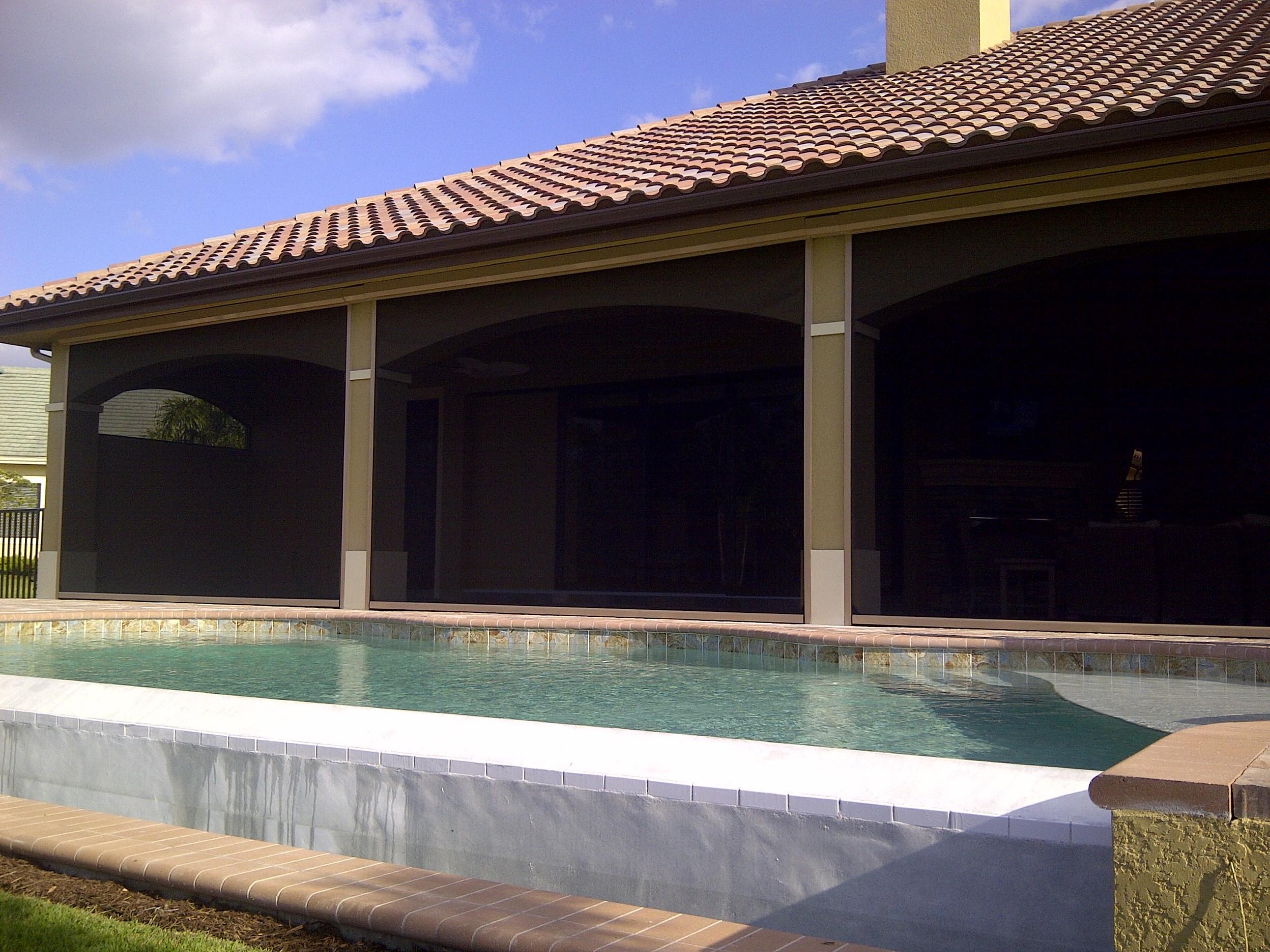 219 Pool Lanai Covered Black Vista Screens