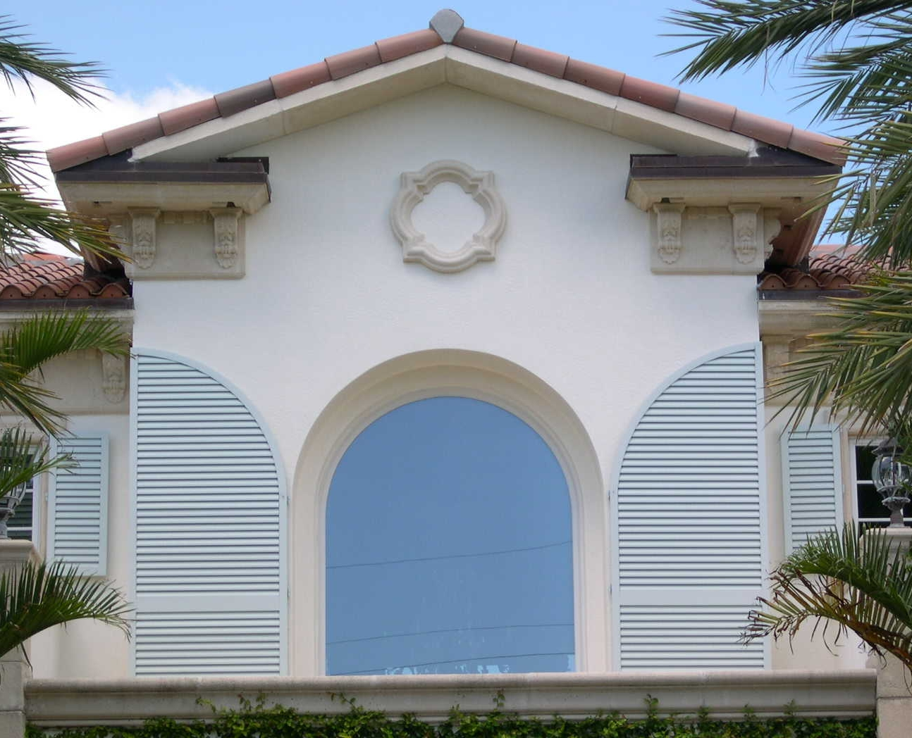 139 Arched Colonial Louver