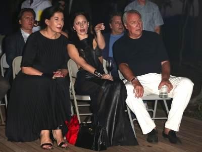 ladygaga&MarinaAbramovic&robertwilson watching1.jpg