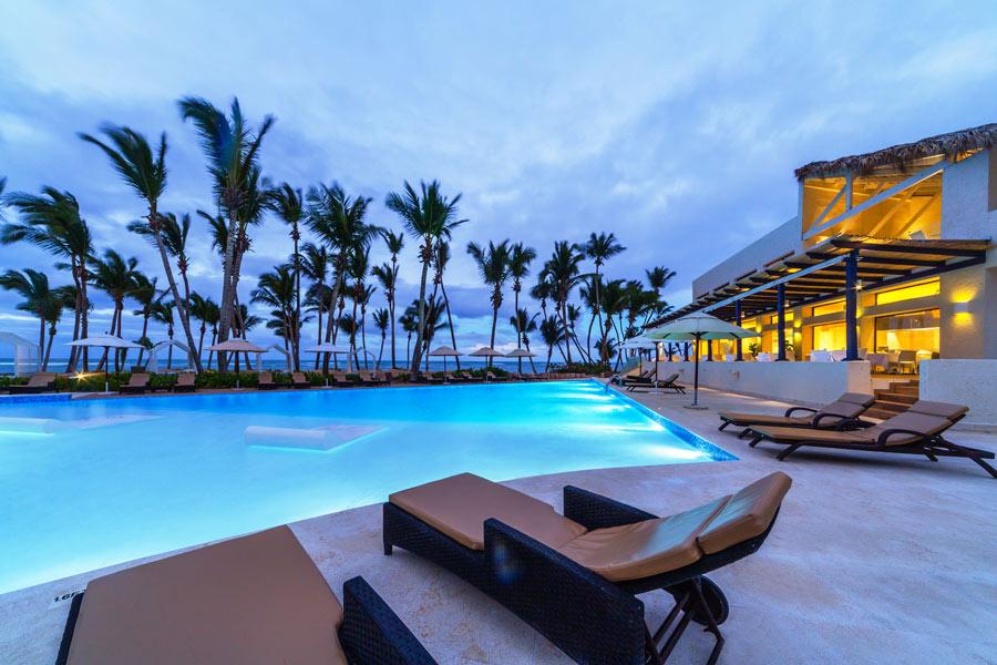 WEB_Resort-Night.jpg