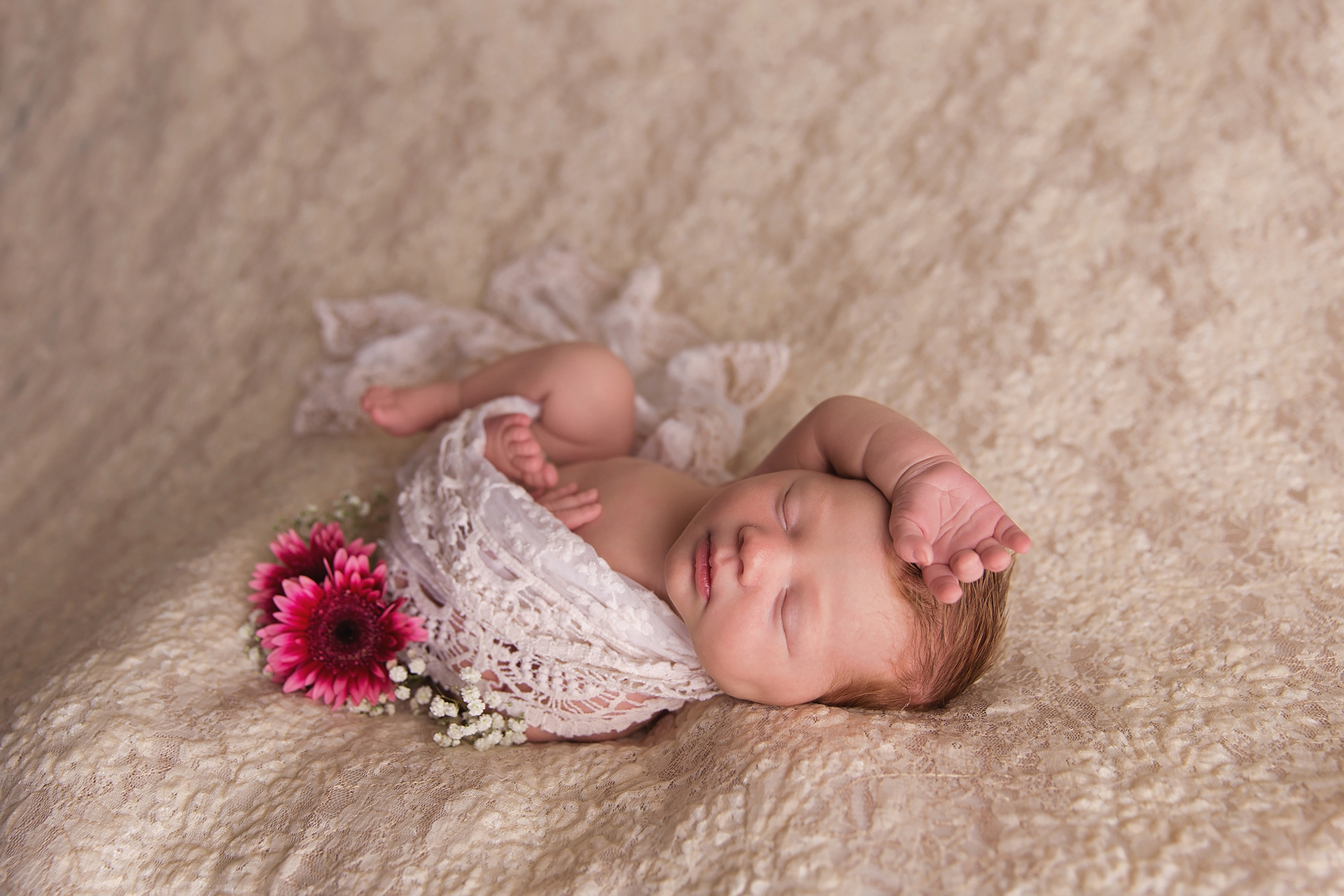 HarrietNewbornPhotos-19.jpg