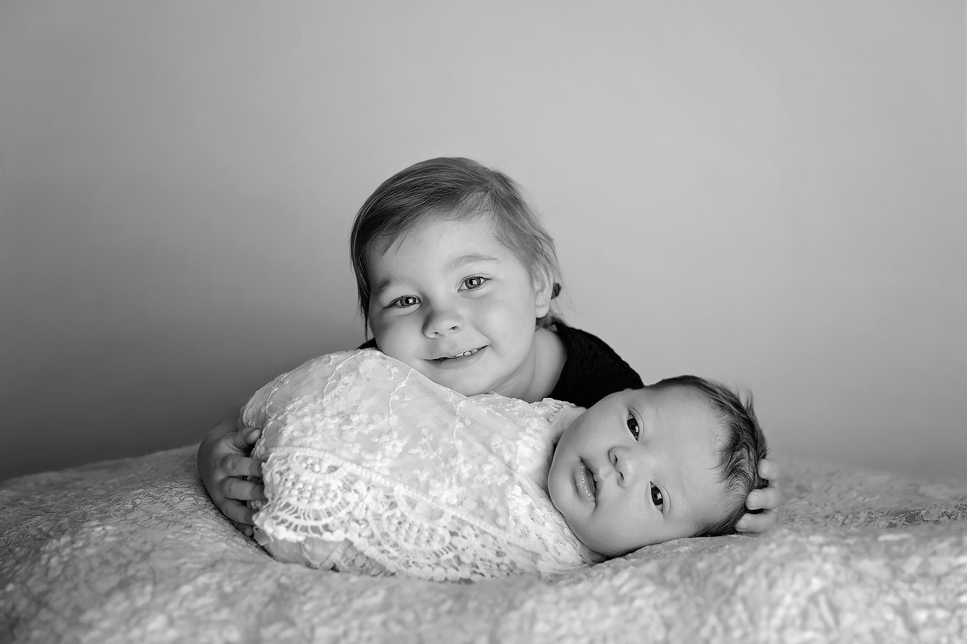 HarrietNewbornPhotos-25Black&White.jpg