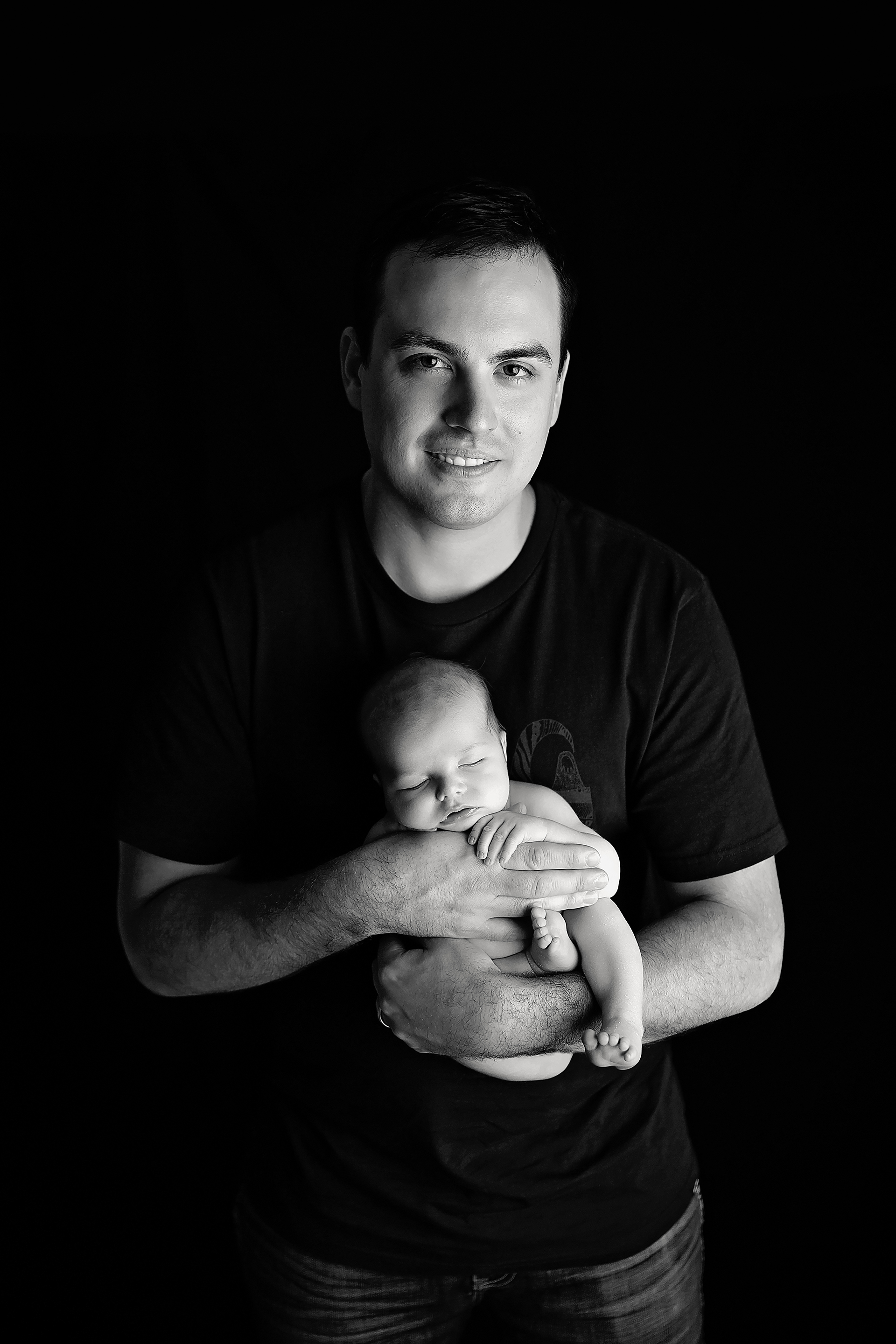 HunterNewbornPhotos-10Black&White.jpg
