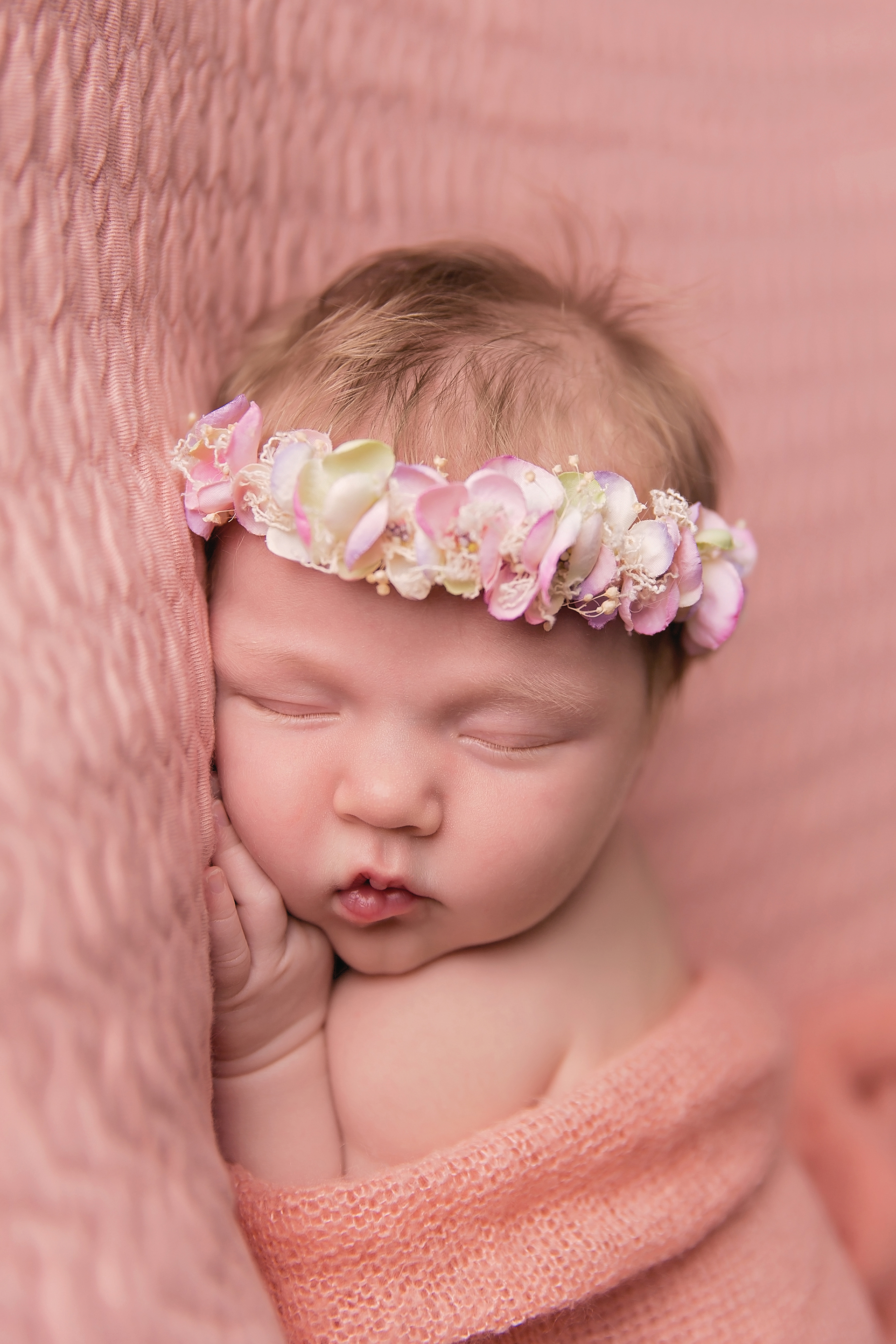 HazelNewbornPhotos-33EDIT.jpg
