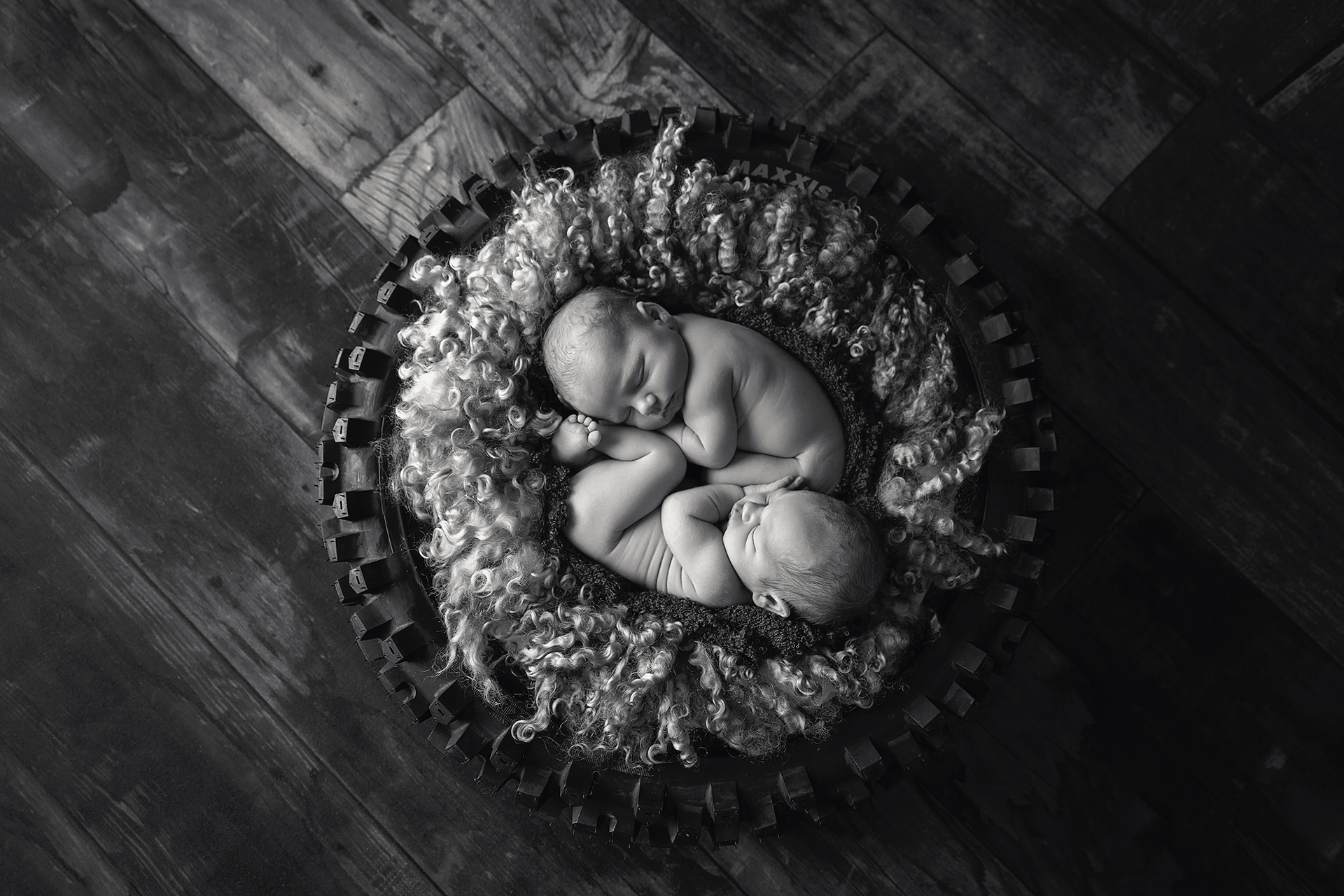 Arlo&Ezra-7days-47Black&White.jpg